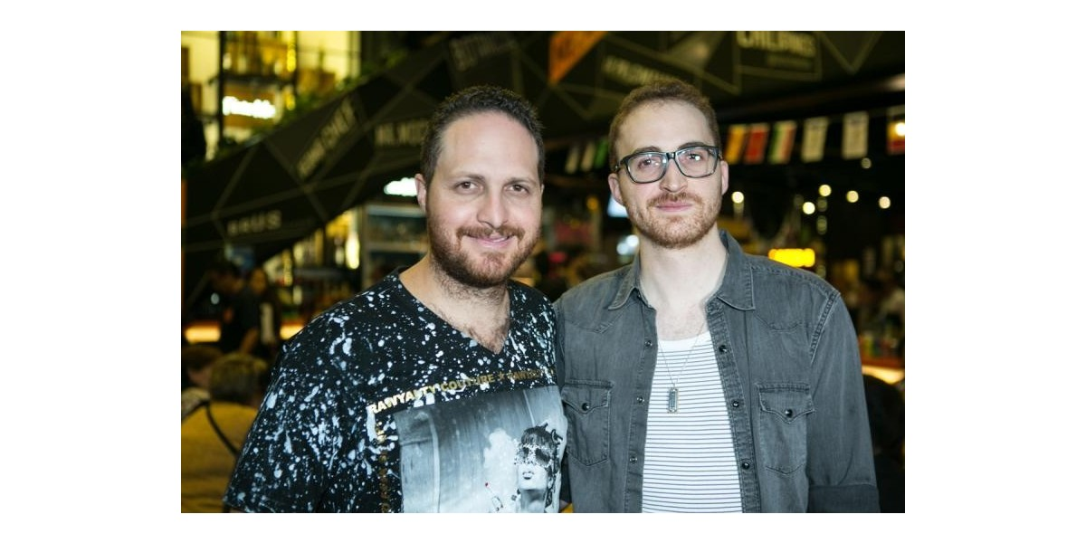 Alberto y Gabriel Sacal celebran el aniversario de Mercado Roma